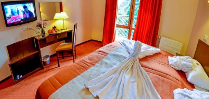 От 3 дней шикарного отдыха в «Романтик спа-отель» в Яремче с питанием, спа-зоной, тренажерами