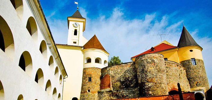 От 3 дней отдыха с питанием и экскурсиями в отеле «Газдівська хижа» на курорте Пилипец