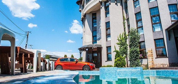 От 3 дней отдыха с бассейном и завтраками в отеле «Роза ветров» в Одессе