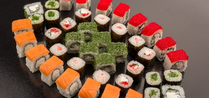 Скидка 54% на суши-сет «Хиросима» от сети суши-магазинов «Суши-Сет»